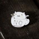 Значок Кот в кружке Z006