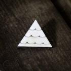 Значок Треугольник Z075